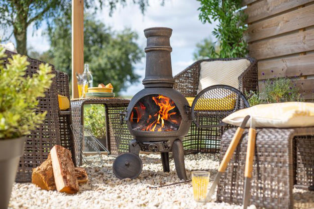 Picture of Cast Iron Chimenea With Grill